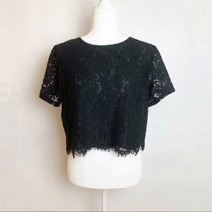 Banana Republic lace crop top shirt // women